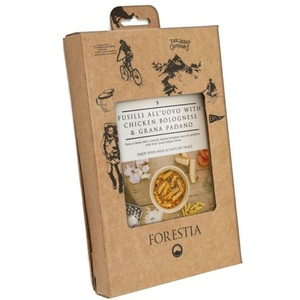 Jedlo Forestia fusil all'uovo s kurčaťom v bolonské omáčke s grana Padano (s ohrievačom), Forestia
